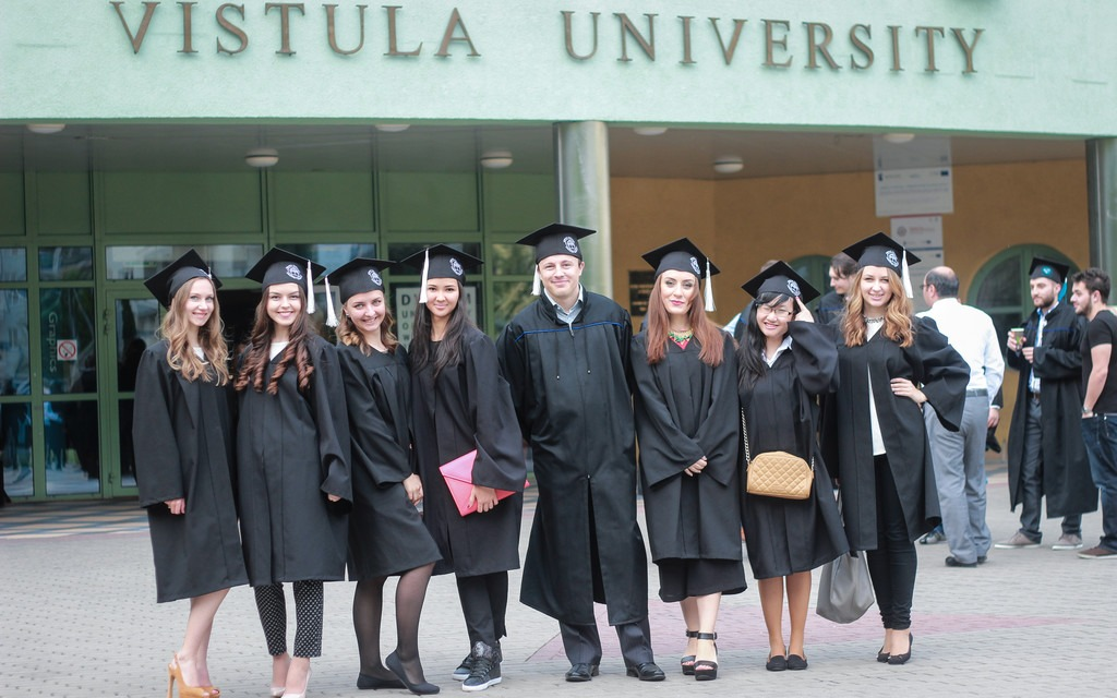 graduation-vistula-university-2015-05b2424082e140d3bbfad379d5171a8d