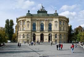 Đại học Warsaw – Trường học danh tiếng và chất lượng tại Ba Lan.