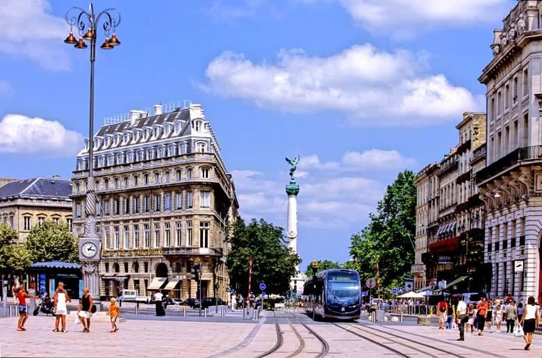 """Đâu chỉ có Paris , Bordeaux cũng là """"thiên đường du học Pháp"""""""