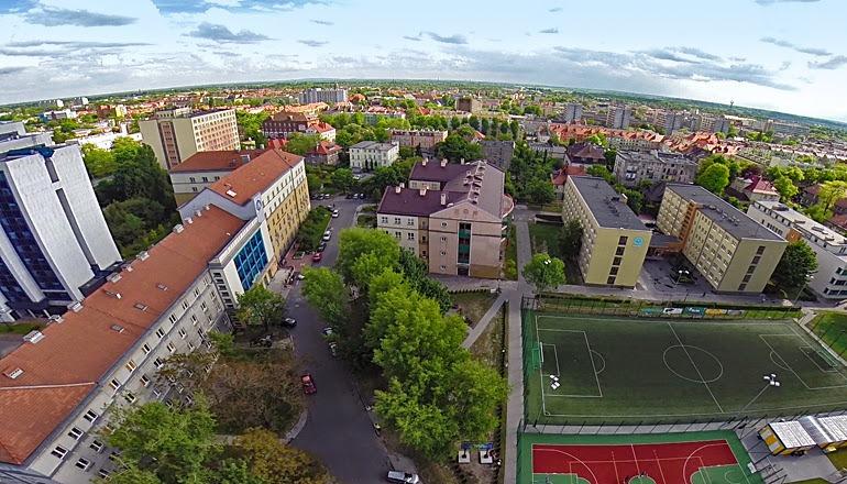 Đến Đại học Opole để học kinh tế!!!