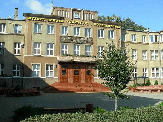 Học viện quản trị du lịch và khách sạn  Gdansk – Ba Lan