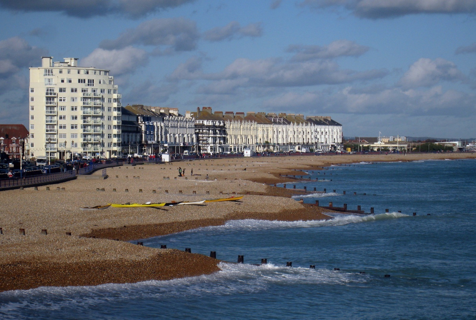 eastbourne_beach_-_geograph-org-uk_-_1582936