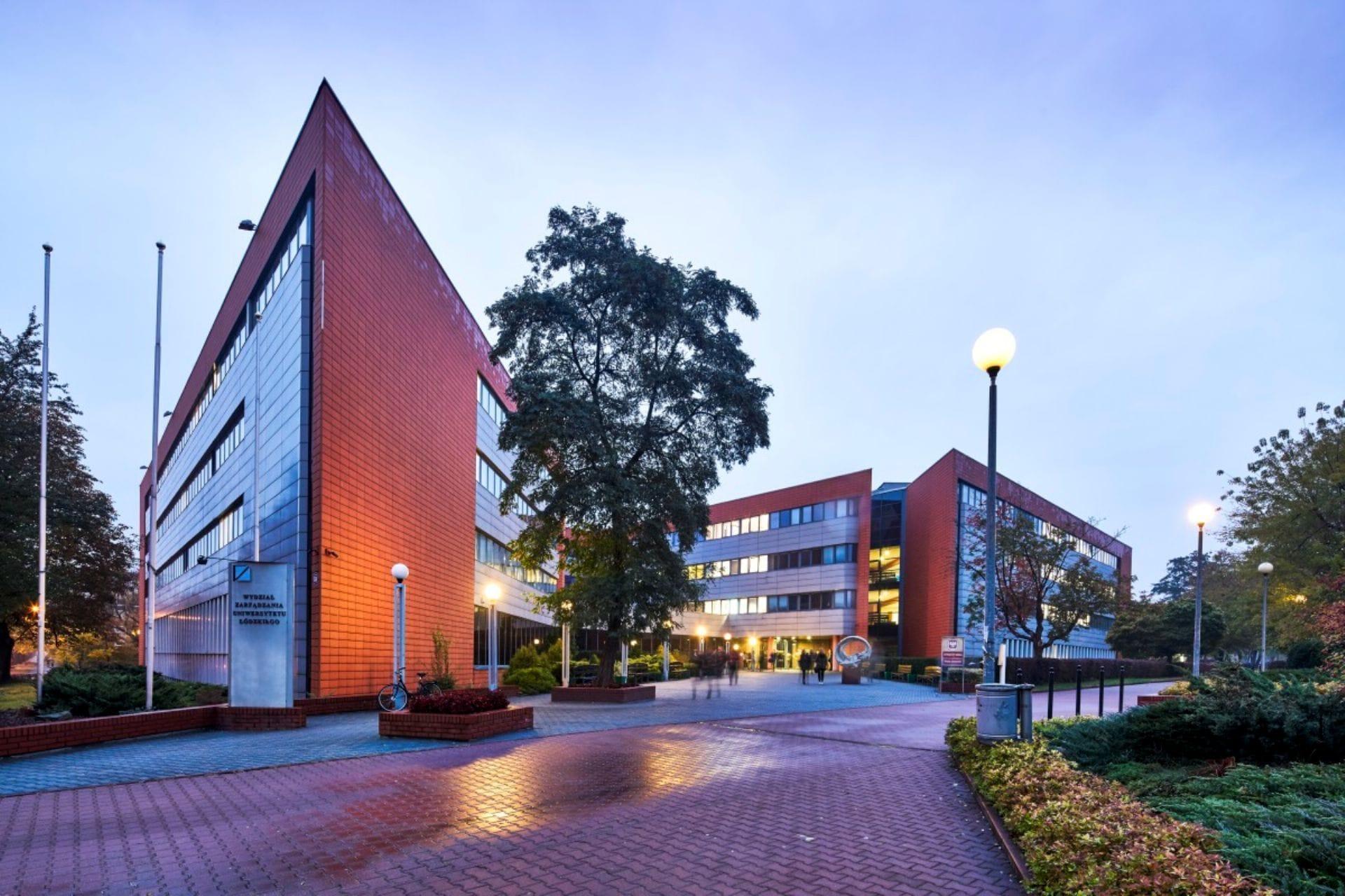 Du học Ba Lan giá rẻ tại đại học hàng đầu-Đại học Łódź – University of Łódź