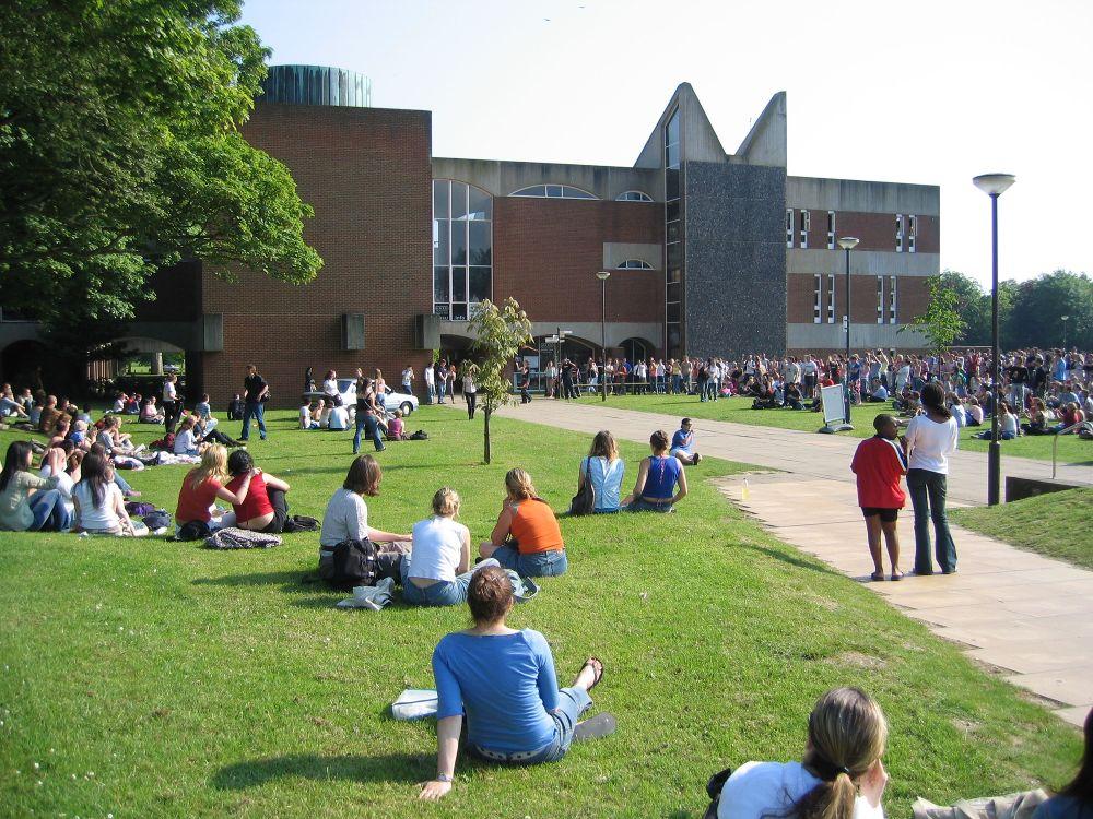 NỘP NGAY KẺO LỠ HỌC BỔNG MBA   TẠI TRƯỜNG University of Sussex, UK