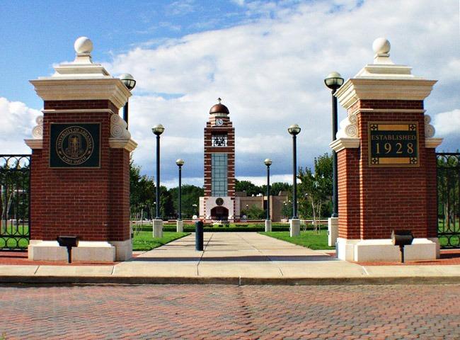 Du học Mỹ giá rẻ không ngờ tại Trường đại học Arkansas – Fort Smith